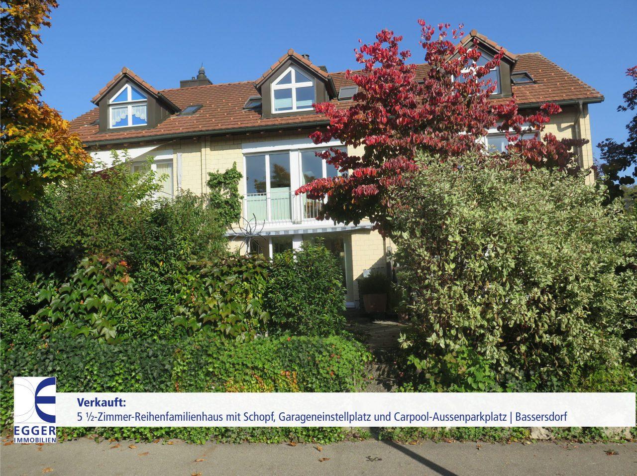 Reihenfamilienhaus mit Schopf, Tiefgarageneinstellplatz und Aussenparkplatz in Bassersdorf